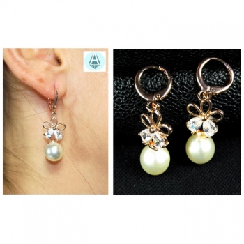 Earrings, earrings, fashion jewelry classy, delicate, flower, artificial pearls
